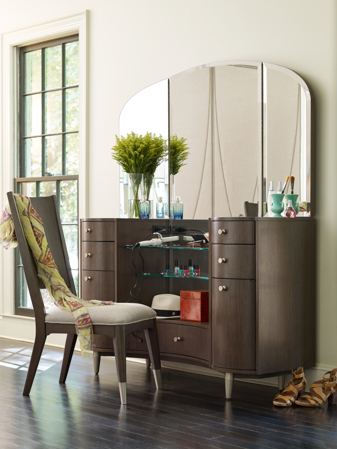 LIFESTYLE-VANITY-SOHO-EL-DORADO-FURNITURE-LEGA-69-01