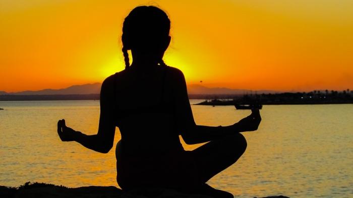 girl-meditating-el-dorado-furniture